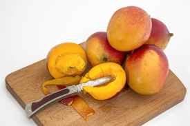 mango-tropical-fruit-juicy-sweet-39303.jpeg